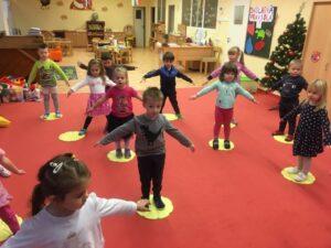 Vánoční jóga