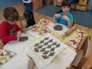 Keramika nás baví...cvičme, cvičme prstíky